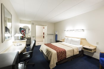 Superior Room, 1 Double Bed, Accessible, Non Smoking (Roll-in Shower)