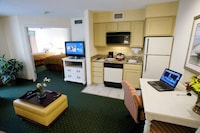 Suite, 2 Double Beds, Non Smoking (One-Bedroom, Master)