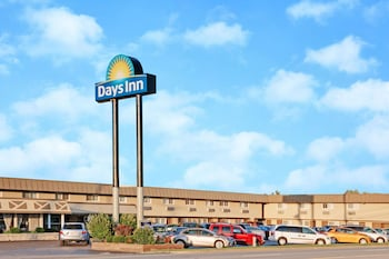 Hotel - Days Inn by Wyndham Elk Grove Village O'Hare Airport West