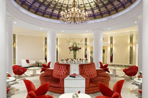 . Hotel Colón Gran Meliá - The Leading Hotels of the World