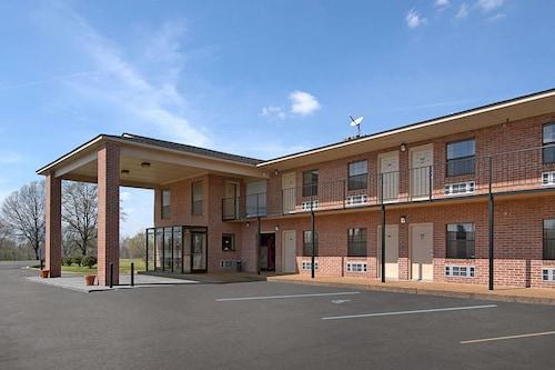 . Days Inn by Wyndham Brownsville