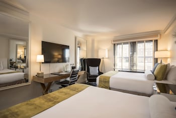 Guestroom at Iberostar 70 Park Avenue in New York