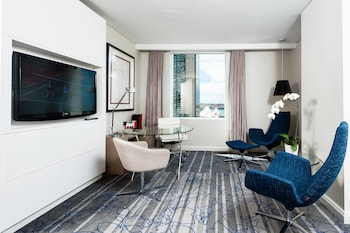 Suite, 1 King Bed, Non Smoking, View (Opera View Suite)