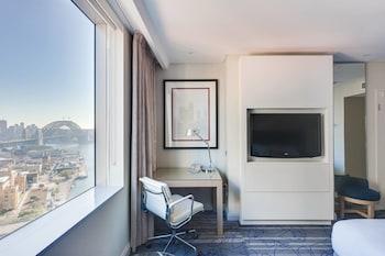 Room, 1 King Bed, Non Smoking, View (Bridge View)