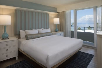 One Bedroom Tower Gulf View King