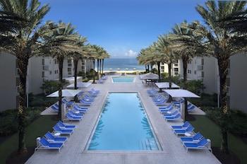 Hotel - Edgewater Beach Hotel