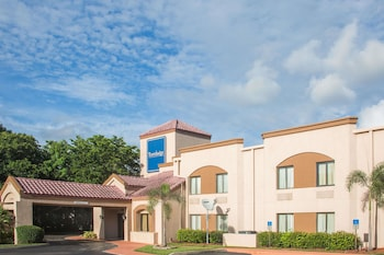 Hotel - Travelodge by Wyndham Fort Myers Airport