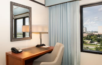 Room, 1 King Bed, Accessible, Tower (Roll-In Shower)