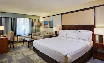 Guestroom at DoubleTree by Hilton Hotel Orlando at SeaWorld in Orlando