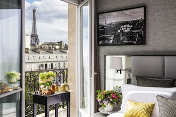 Signature Suite, 1 King Bed, View, Tower (Eiffel Tower View)