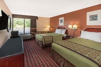 Guestroom at Days Inn by Wyndham Myrtle Beach in Myrtle Beach