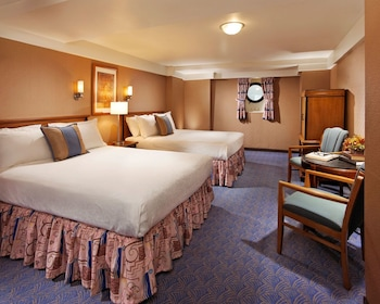 Family Room, 2 Queen Beds (Stateroom)