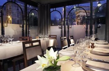 Splendid Etoile Hotel Parisfrance