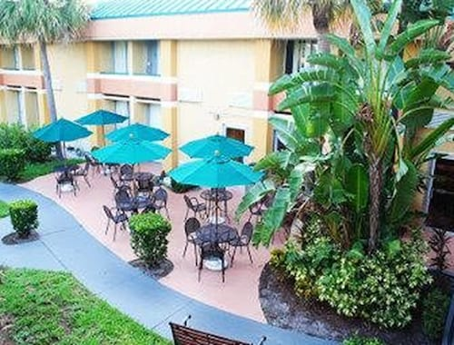 Baymont Inn and Suites Florida Mall image 37