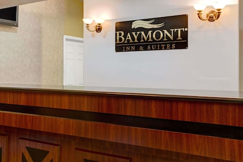 Baymont Inn and Suites Florida Mall image 2