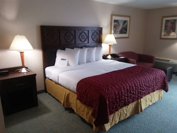 Guestroom at Baymont by Wyndham Florida Mall in Orlando