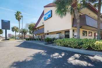Tampa Vacations - Rodeway Inn - Property Image 3