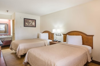 Tampa Vacations - Rodeway Inn - Property Image 5