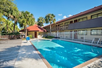Tampa Vacations - Rodeway Inn - Property Image 9
