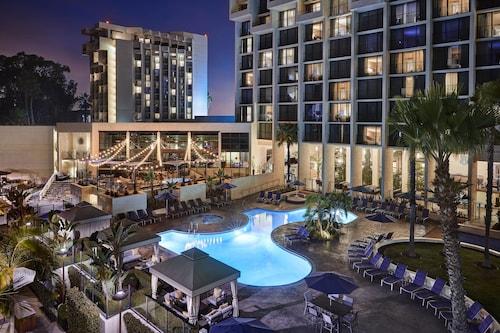 . Newport Beach Marriott Hotel and Spa