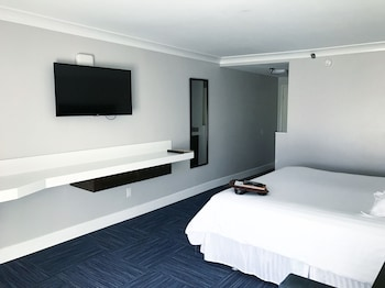 Executive Room, 1 King Bed with Sofa bed, Balcony