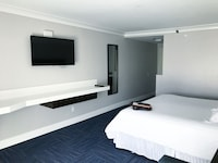 Executive Room, 1 King Bed, Jetted Tub