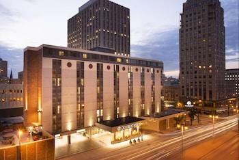 密爾沃基市中心希爾頓逸林飯店 DoubleTree by Hilton Milwaukee Downtown