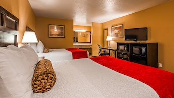 Standard Room, 1 Queen Bed, Accessible, Non Smoking (Walk-in Shower)