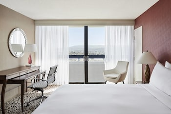Concierge Room, Room, 1 King Bed, City View