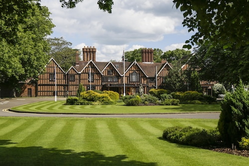 . Macdonald Alveston Manor Hotel & Spa