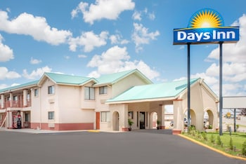 Days Inn by Wyndham Hobbs