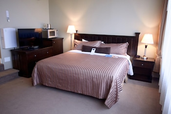 Deluxe Studio Suite (Top Floor with premium amenities)