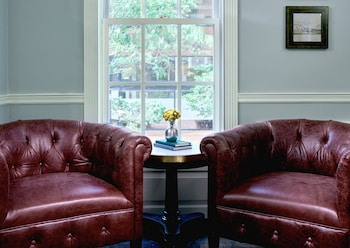 Lobby Sitting Area at Morrison House Old Town Alexandria, Autograph Collection in Alexandria