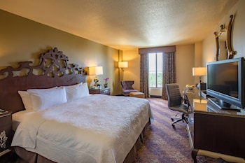 Guestroom at Castle Hotel, Autograph Collection in Orlando