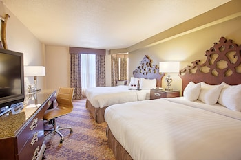 Tower Room with 2 queen beds