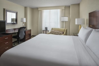 Guestroom at Philadelphia Airport Marriott in Philadelphia