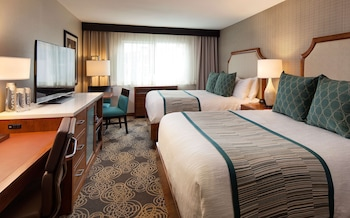Suite, 2 Queen Beds, Accessible, Bay View