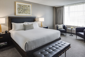 Executive Suite, 1 King Bed with Sofa bed