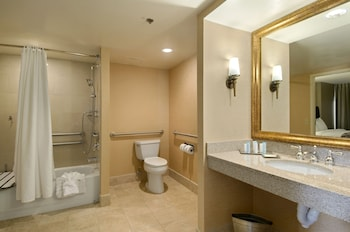 Embassy Suites by Hilton Phoenix Downtown North - Bathroom  - #0