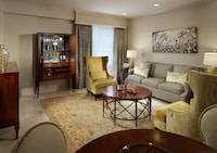 Suite, 1 King Bed (Luxury Pontchartrain Suite)
