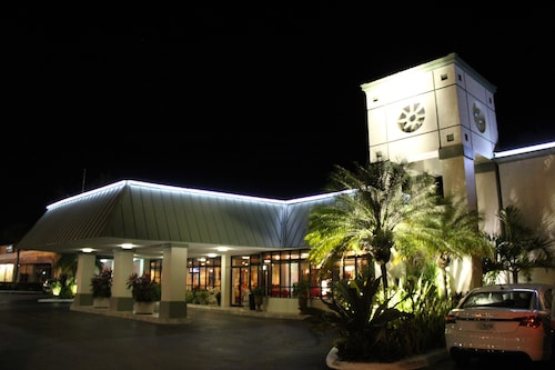__{offers.Best_flights}__ Floridian Hotel