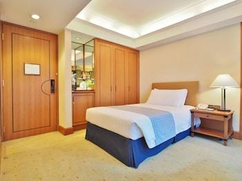 Standard Courtview Room