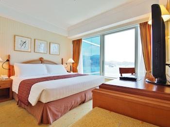 Deluxe Harbourview Suite
