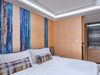 Tower Harbourview Suite