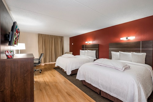 . Red Roof Inn PLUS+ & Suites Knoxville West – Cedar Bluff