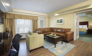 Guestroom at Holiday Inn Resort Orlando - Lake Buena Vista in Orlando