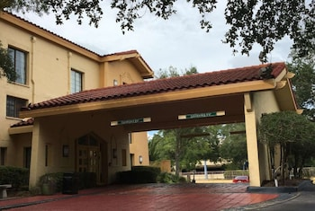 Days Inn by Wyndham Gainesville University I-75 Days Inn by Wyndham Gainesville University I-75