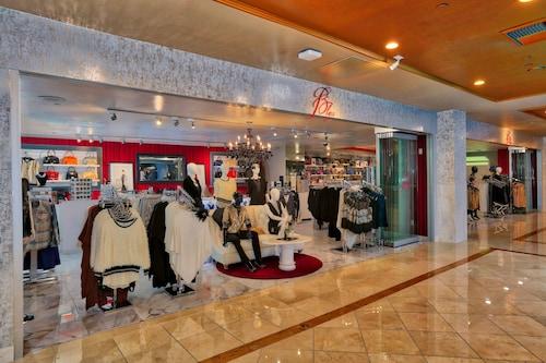 Westgate Las Vegas Resort & Casino image 340