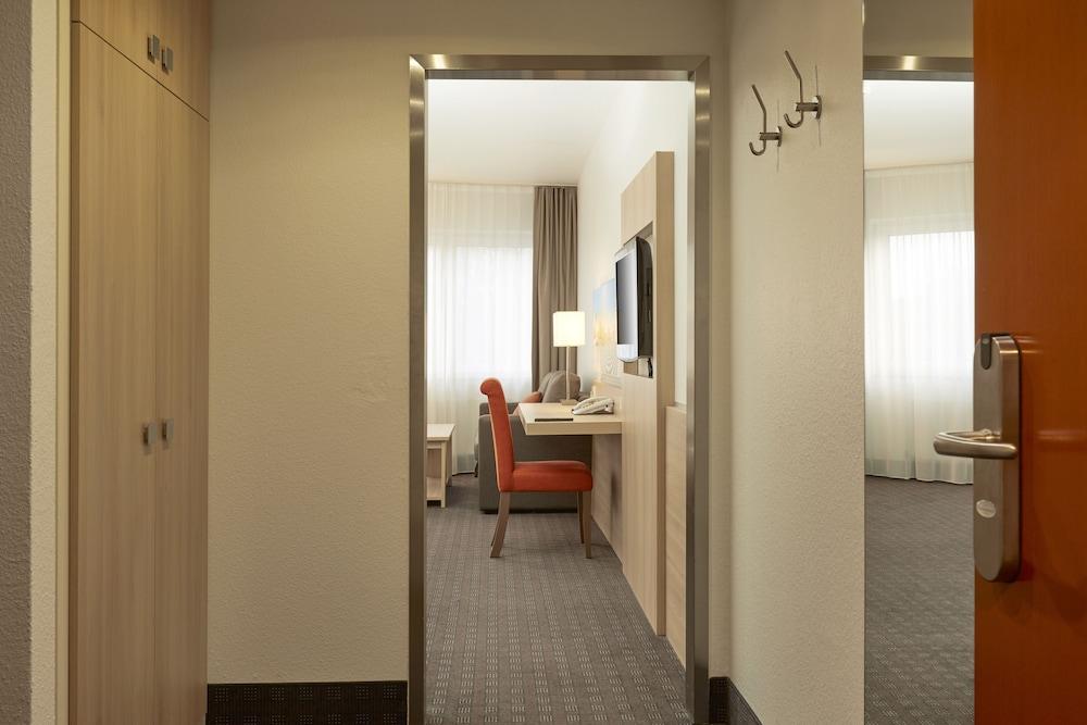 H+ 호텔 다름슈타트(H+ Hotel Darmstadt) Hotel Image 9 - Guestroom