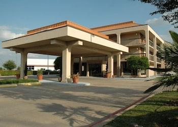 Hotel - Executive Inn